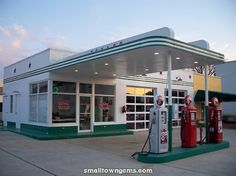 Photograph of Cowan, Tennessee vintage historic Texaco gasoline gas station