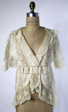 dressing jacket - 1913-14. | via the MET.