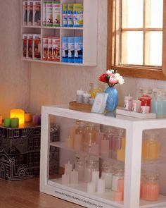 #candle #miniature #fimoclay #polymerclay #oneinchscale #handmadebyme #dollhouse