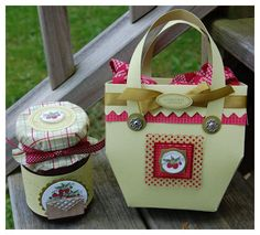 http://laurenm.blogs.splitcoaststampers.com/2009/06/12/vintage-picnic-possibilities/
