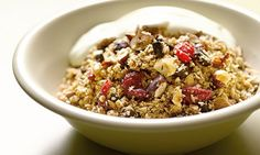 Hugh Fearnley-Whittingstall's oat, cherry and chocolate granola: Luxury in a bowl. Photograph: Colin Campbell for the Guardian Mothers Day Breakfast, Breakfast In Bed, Brunch Recipes, Sweet Recipes, Hugh Fearnley Whittingstall, Chocolate Granola, How To Make Chocolate, No Bake Cake, Cherry