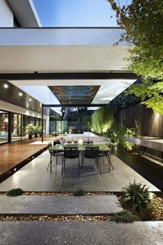 The patio. (Balaclava Road House by C.S Design ) Houses Architecture, Interior Architecture, Outdoor Rooms, Outdoor Living, Outdoor Lounge, Outdoor Ideas, Property Design, Exterior Design, Landscape Design