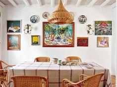 Comedor con cuadros de artistas españoles