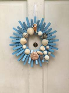 Beach Theme Small Clothespin Wreath with real Seashells from Florida by QteBoutique on Etsy Nautical Wreath, Seashell Wreath, Seashell Crafts, Seashell Cake, Wreath Crafts, Diy Wreath, Clothespin Crafts, Wreath Making, Wooden Wreaths
