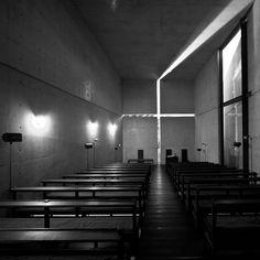 Church of the Light, Osaka, Japan, 1989 Tadao Ando Sacred Architecture, Church Architecture, Light Architecture, Sustainable Architecture, Landscape Architecture, Architecture Design, Ibaraki, Tadao Ando, Luz Natural