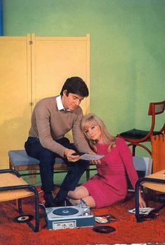 UN SOIR CHEZ LES DISQUAIRES / http://www.mixcloud.com/LESDISQUAIRES/1960s postcard