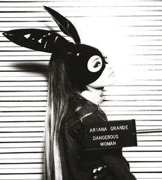 Ariana Grande shared by Harry Potter ϟ on We Heart It Ariana Grande Dangerous Woman, Dangerous Woman Tour, Cat Valentine, Axl Rose, Bilal Hassani, Adriana Grande, Ariana Grande Fotos, Ariana Grande Wallpaper, Nickelodeon