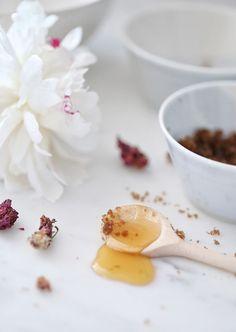 Jillian Harris and Erin Sousa DIY Rose Honey Brown Sugar Lip Scrub