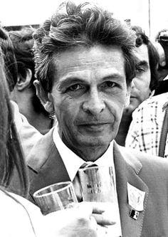 Enrico Berlinguer (Sassari, 25 maggio 1922 – Padova, 11 giugno 1984) è stato un politico italiano, segretario generale del Partito Comunista Italiano dal 1972 fino alla morte.