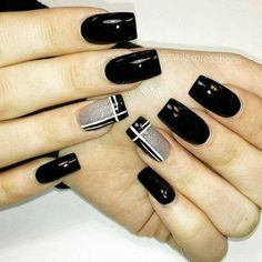 Pin by Alicyn Curtis on nails in 2020 Square Nail Designs, Black Nail Designs, Acrylic Nail Designs, Acrylic Nails, Gel Nails, Nail Art Hacks, Nail Art Diy, Fabulous Nails, Gorgeous Nails
