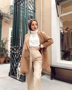 Hijab Fashion Summer, Modest Fashion Hijab, Modern Hijab Fashion, Street Hijab Fashion, Casual Hijab Outfit, Hijab Fashion Inspiration, Winter Fashion Outfits, Muslim Fashion, Cute Casual Outfits