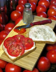 A beautiful picture of a tomato sandwich from SlowGardening.net
