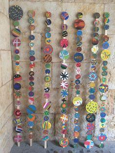 Pinta y Punto. FÁCYL 2018 patio Casa de las Conchas Patio, Personalized Items, Bracelets, Jewelry, Home, Shells, Dots, Artists, Jewlery