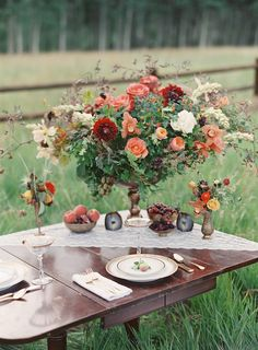 Autumn centerpiece and outdoor tablescape by http://www.laleflorals.com/ | photography by Bryce Covey Photography | planning by Bluebird Productions