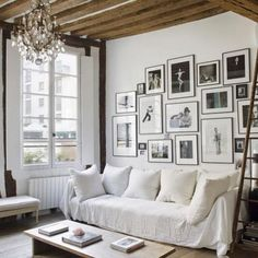 Simple and incredible elegant, this Parisian Loft is a perfect example of the the art of living in a small space.
