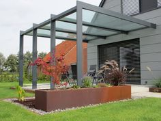 Triphaus - Metall in Form und Farbe: Terrassenüberdachungen Though early within notion, the pergola continues Outdoor Decor, Garden Design, Pergola Shade Diy, Outdoor Living, Pergola Designs, Exterior