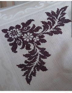 Hand Embroidery Design Patterns, Crochet Edging Patterns, Weaving Patterns, Embroidery Stitches, Cross Stitch Borders, Cross Stitch Flowers, Cross Stitch Designs, Cross Stitch Patterns, Hobbies And Crafts