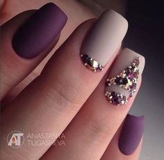 Matte nails are so popular in the beauty world these days. In case you were looking for perfect nails, we have picked out 40 matte nail designs for you to try. Fabulous Nails, Perfect Nails, Gorgeous Nails, Pretty Nails, Matte Nail Colors, Matte Nails, Elegant Nails, Stylish Nails, Hair And Nails