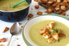 Bloemkoolsoep met naancroutons – 5 OR LESS Soup Recipes, Healthy Recipes, Cheeseburger Chowder, A Food, Meal Prep, Foodies, Lunch, Meals, Dinner
