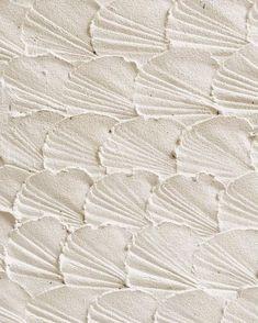 Seashell inspired sand art 🐚⠀ ⠀ Photo via ⠀ . Cream Aesthetic, Beach Aesthetic, Simple Aesthetic, Art Texture, White Texture, Foto Art, Sand Art, Textures Patterns, Tree Patterns