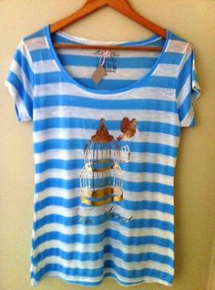Camiseta Pássaro + Gaiola (Free spirit ) em estamap ouro foil - Apenas R$39.90 - Lilou Chic Couture