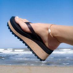 Platform Flip Flops, Wedge Flip Flops, Cute Toes, Summer Outfits, Slippers, Footwear, Kaftan, Shoes Online, Heels