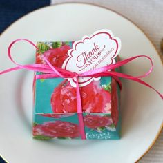 favour box available from www.thegbwedding.com