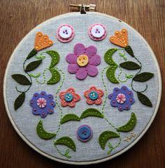 Folklore Flower Hoop.                                                                                                                                                     Más