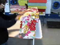 ▶ PULIRE POLTRONE IN TESSUTO E PELLE.wmv - YouTube    PULITURA POLTRONE  We can also clean any type of fabric, bearing in mind that each one needs a specific treatment. The most frequently used method is extraction-cleaning, but we also know other techniques which we use with different types of fabric in order to get the best results.
