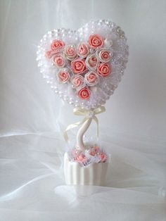 Мастер-классы. Топиарии. Фоамиран. Рукоделие. Rose Crafts, Cd Crafts, Diy And Crafts, Wedding Table Decorations, Lace Flowers, Wedding Cake Toppers, Paper Art, Projects To Try, Lily
