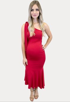 Shop Sexy Mama Maternity's NEW evening wear. These maternity dresses are perfect for the holiday season or any special occasion. #SexyMamaMaternity #ShopSexyMama