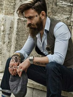Love the earnings and the hair style. MR. COOL BULUTOZDEMIROGLU /  PHOTOGRAPHY BY. BEYHANOLUK