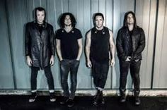 """Nine Inch Nails to Release """"Two New Major Works"""" in 2017WithGuitars"""