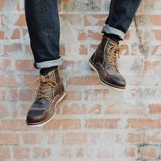 Those are some good lookin' boots! Thanks to @shawnroller for showing off his new pair! #menswear #boots #crevo #crevofootwear #vsco #vscocam #vscophile http://instagram.com/p/v9Eo74jPen/?modal=true