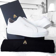 Axel Arigato Laceless Clean 90 sneakers - picture via Ali Gordon #axelarigato