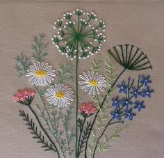 Herb Embroidery, Embroidery Flowers Pattern, Creative Embroidery, Embroidery Patterns Free, Embroidery Hoop Art, Hand Embroidery Designs, Floral Embroidery, Embroidery Stitches, Embroidered Flowers