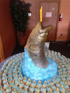 fish wedding cake | Fish Wedding Cake #weddingcskes