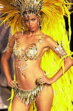 Adriana Lima from Brasil... Adriana Lima (Salvador, 12 de junho de 1981) é uma supermodelo brasileira. Segundo a revista Forbes, Adriana Lima foi a quinta modelo mais bem paga do mundo com ganhos estimados em quatro milhões e meio em 2004 e quatro milhões de dólares em 2005.  http://pt.wikipedia.org/wiki/Adriana_Lima