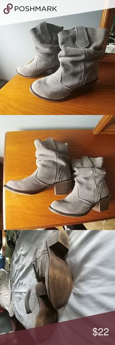 Steve Madden Booties Steve Madden - Gray Slouch Genuine Suede Booties - Gently worn. Very good condition and comfortable. Steve Madden Shoes Ankle Boots & Booties