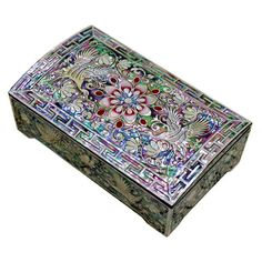"95$  Item Specification    Item name: Lacquer ware inlaid new mother of pearl handcrafted jewelry case,jewel box     Material: Wood ,Mother of pearl     Size: 4.91"" * 2.95"" *1.97"" (12.5 * 7.5 * 5cm)      For man use for business card case,for woman could use jewelry box.       The crane is not only symbol of the long life but aldo used for the official uniform pattern of the upper echelons of government.    See my other items  http://www.etsy.com/shop/jongmanpark?ref=si_shop"