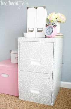 Home Hacks: 13 Foolproof Office Organization Tips - thegoodstuff Office Organization Tips, Home Office Storage, Furniture Makeover, Diy Furniture, Furniture Design, Diy Cabinets, Filing Cabinets, Painted File Cabinets, Office Cabinets
