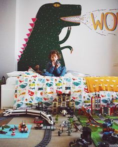 Giant dinosaur on a kid's room wall Kids Room Murals, Room Kids, Boy Room, Kids Bedroom, Bedroom Ideas, Car Themed Nursery, Lego Toys, Kids Room Organization, Nursery Modern