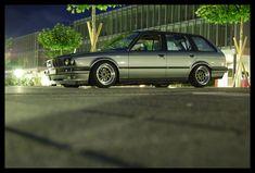 I like a lot wagons a lot me likey. Bmw E30 Touring, Bmw Wagon, Bmw 3 Series, Automotive Art, Bmw Cars, Station Wagon, Bmw M3, Cars And Motorcycles, Transportation