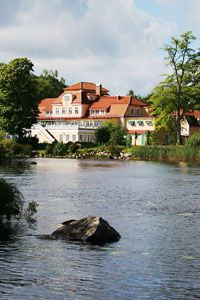Hotel Möckelsnäs Herrgård in Småland. Countryside Hotel, Carl Larsson, Red Cottage, Travel Bugs, Outdoor Activities, Places To Travel, Norway, Scandinavian, Wanderlust
