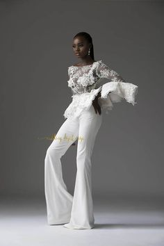 Popular with a select count of A-listers and famous to have dressed a good number of Brides who have over time constantly made headlines, the highly celebrated womenswear label TUBO… African Attire, African Fashion Dresses, African Dress, October Fashion, Chic Outfits, Fashion Outfits, Moda Formal, Mode Chic, Fashion Show