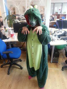 is it a lizard or a dinosaur!!