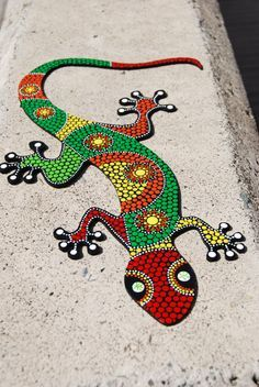 Lizard Gecko& dot art& Decorative lizard& Hand by Mandalaole Mosaic Crafts, Mosaic Projects, Mosaic Art, Mandala Art, Mandala Painting, Painted Rock Animals, Painted Rocks, Colorful Lizards, Mosaic Rocks
