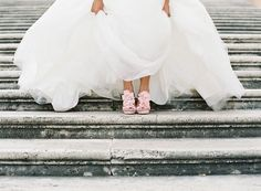 Rome Wedding in front of the Colosseum (via Bloglovin.com )
