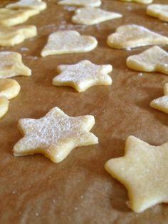 « Braedela Alsaciens » : Alsatian Christmas Cookies // Pic by Cécile Ducharme