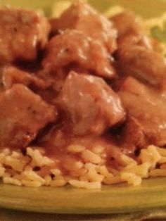 Easy crockpot recipes: Peppered Beef Tips Crockpot Recipe